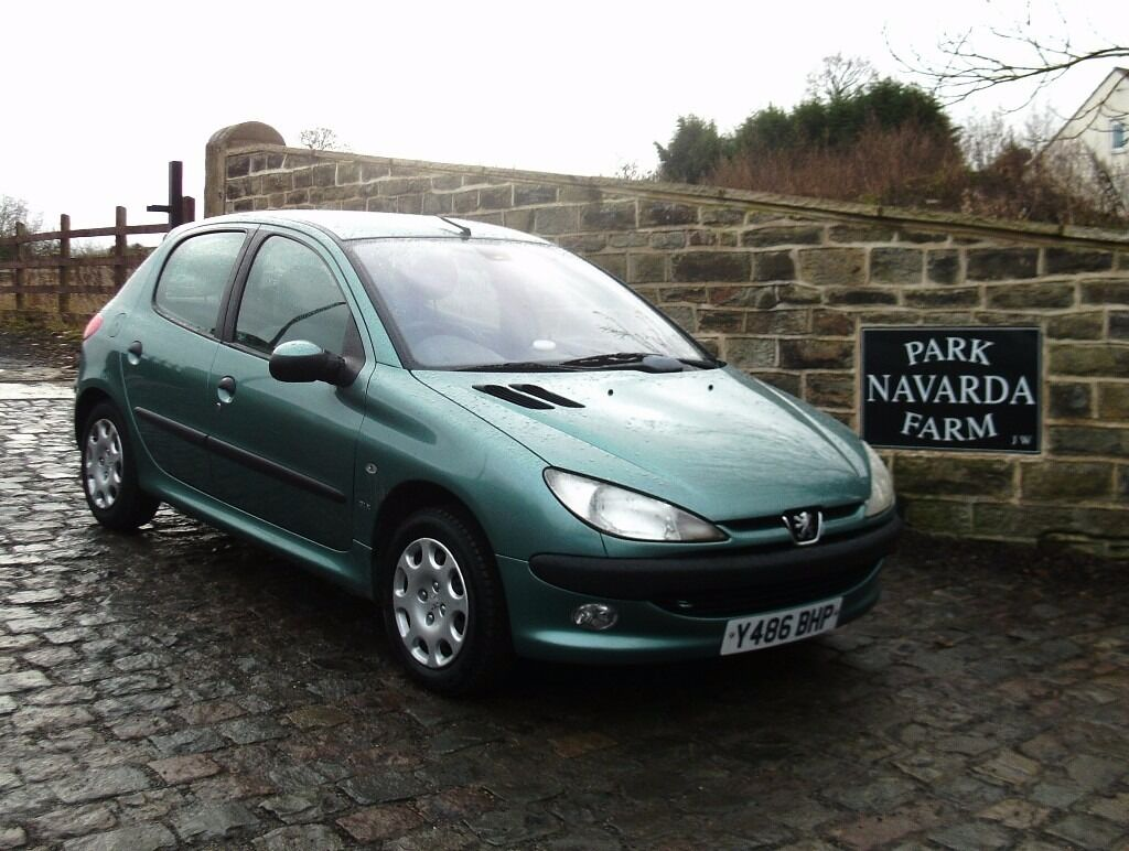 peugeot 206 cc fuse box peugeot 206 glx automatic in green, 2001 y reg, only one ... peugeot 206 glx fuse box #14