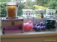 5 storage jars with lids