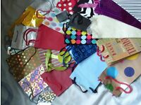 set of 20 gift bags for bottles