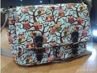 owl satchel / laptop shoulder bag approx 36 x 30 cm
