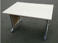 Ikea Desk in good cond + Free delivery in Leicester