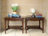 VINTAGE PAIR OF TWO STAG MAHOGANY BEDSIDE / LAMP TABLES