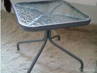 square glass / metal table 40x40x40cm