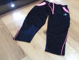 3/4 length KARRIMOR training trousers size 12 black / pink