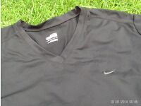 NIKE Fitdry black training top size large