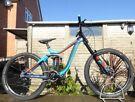 "2016 Giant Glory 1 Downhill Mountain Bike 17.5"" Medium Frame 200mm Boxxer Fork  27.5 Wheel Freeride"