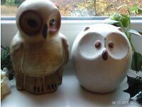 2 owl ornaments 18x14cm tall