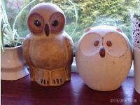 2 owl ornaments 18 & 14 cm tall