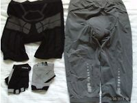2 pairs of padded cycle shorts and gloves, small ( unisex)