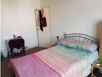SHORT LET NO FEES - double room for single occupancy