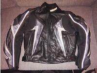 TARGA Mens Leather Motorbike / Motorcycle jacket with CE protection Size 42