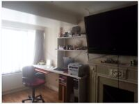 Very spacious 3 bedroom house in Collier Row