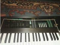Yamaha PSR-36 Electronic Keyboard