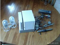 Nintendo Wii Console, Speakers and 11 Wii games