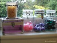 5 storage jars with clip lids