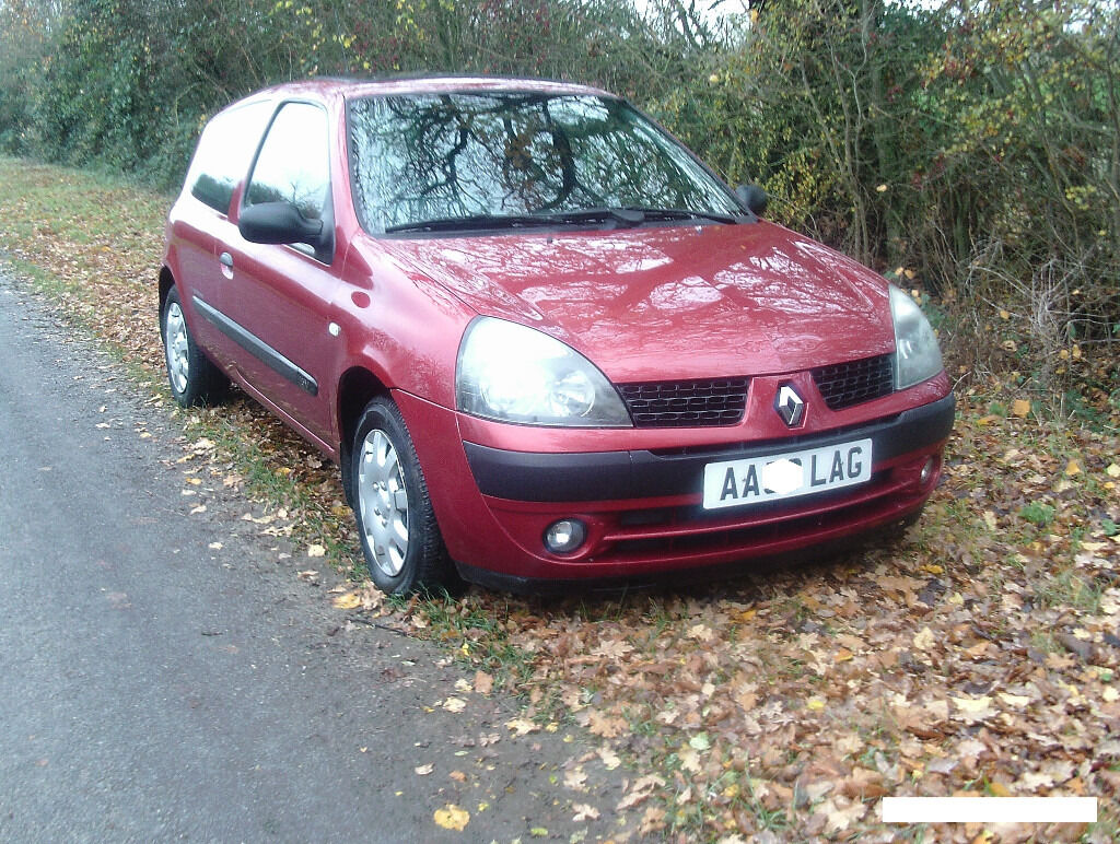 2003 53 renault clio extreme 3 dr 1 2 84k miles in highworth wiltshire gumtree. Black Bedroom Furniture Sets. Home Design Ideas