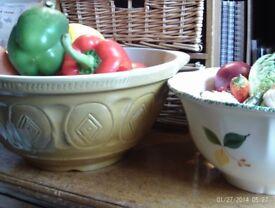 NEW 2 large mixing bowls 34 &n 26 cm diameter