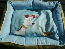 Alcott dog bed