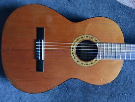 Solid top Spanish Guitar, made in Spain Lovely Guitar