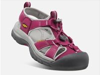 *NEW IN BOX* Size 6 (39) KEEN ladies Venice H2 Outdoor Sandals