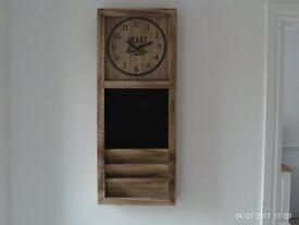 HIGH QUALITY BRAND NEW GLASS FRONTED WOODEN CLOCK WITH CHALKBOARD AND STOREAGE RACK
