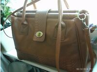 NEW laptop / briefcase style bag approx 42 x 33 cm
