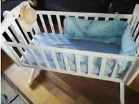 White rocker crib