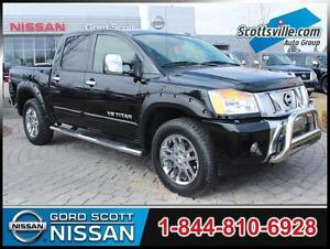 2015 Nissan Titan SL Crew Cab 4x4, Leather, Nav, Sunroof, Low KM