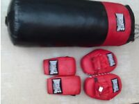 Lunsdale Punch Bag+Gloves + Mits