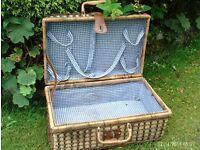 traditional style picnic hamper 46 x 31 x 21 cm