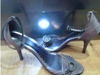NEW satin heels size 6