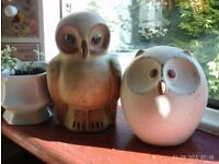 pair of wise owl ornaments 18 and 14 cm tall