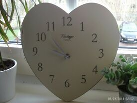 QUARTZ vintage wooden heart shaped wall clock 26 x 25 cm