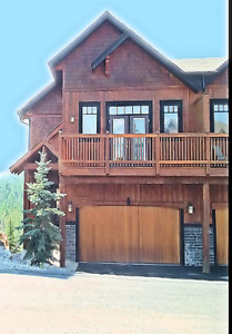Condo for sale Invermere!  Quality Finishing