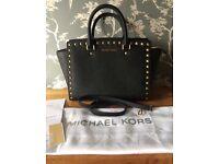 Michael kors bag never used