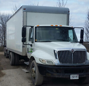 2006 international 4300 straight truck w/24ft box