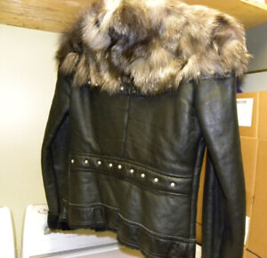 Manteau de cuir + mouton + fourrure  ( réf. fur /coat/ leather )