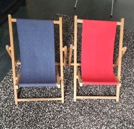 Children's garden or beach deck chairs red and blue good condition