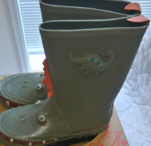 Dinosaur Rain Boots - What a Fun Idea!!!   Size 2