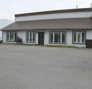 2700 sqft Storage space office/shop for Lease/rent
