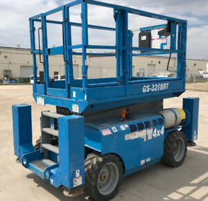 2011 GENIE 3268 4x4 Scissor Lift -CLEAN! LOW HR, OUTRIGGERS $701