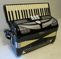 1960's Vintage Titano Titan Accordion – Made In Italy – Like New