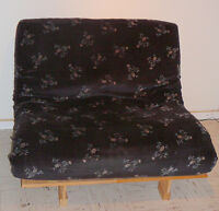 FUTON couch bed 40'' X 76'' Wood frame, great condition, comfy!