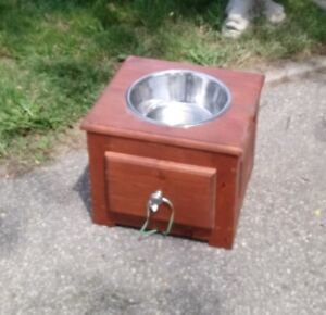 Dog food/water stand