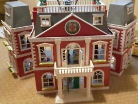 Sylvanian Families Regency Hotel plus others