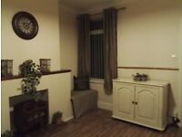 Bright spacious double room- £65- all incl