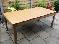 Solid Oak Extending Dining Table, New & Excellent.