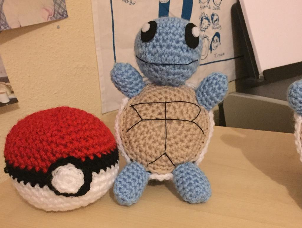 Squirtle & Pokeball Set