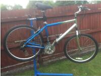 Saracen Compass Comfort Hybrid Bike 18.5 inch aluminium frame-fully serviced