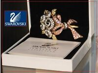 New Genuine Swarovski Gold Plated Roses 98 JP pin / brooch BOXED